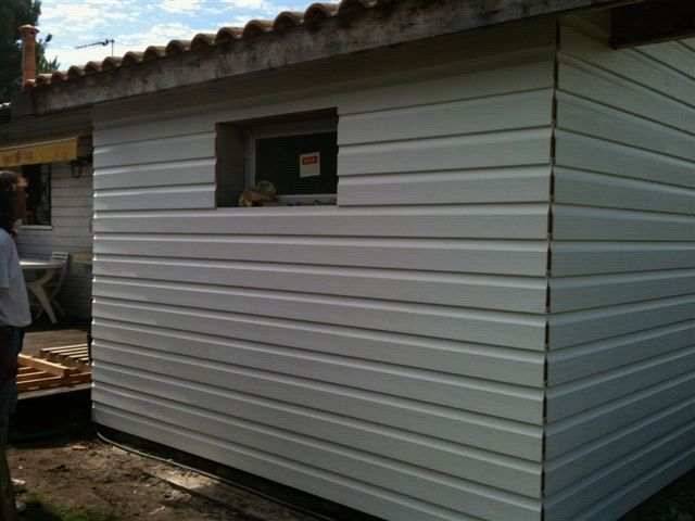 pose de bardage pvc exterieur par atb renovation With pose lambris pvc exterieur