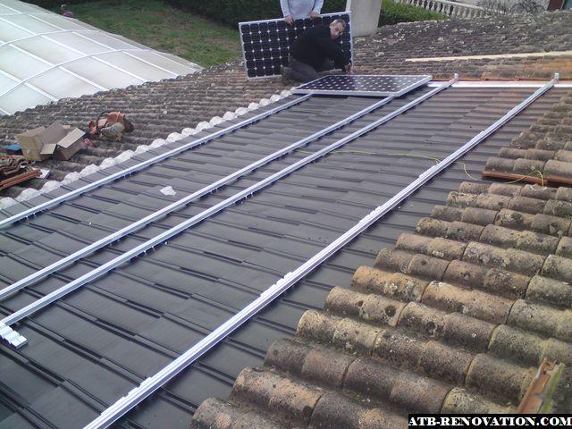 Pose de panneaux solaires photovoltaiques sur bordeaux et for Pose de panneaux solaires sur toiture